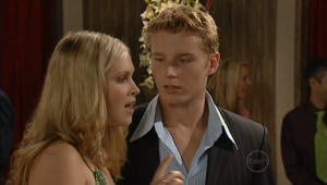 Janae Timmins, Boyd Hoyland in Neighbours Episode 4999