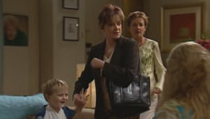 Oscar Scully, Lyn Scully, Susan Kennedy in Neighbours Episode 5001