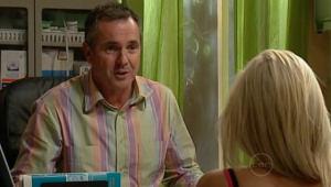 Karl Kennedy, Sky Mangel in Neighbours Episode 5002