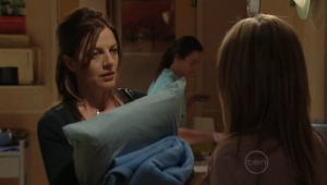 Gail Robinson, Izzy Hoyland in Neighbours Episode 5002
