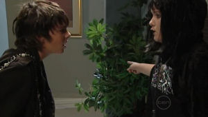 Zeke Kinski, Bree Timmins in Neighbours Episode 5004