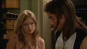 Elle Robinson, Dylan Timmins in Neighbours Episode 5005