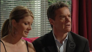 Paul Robinson, Izzy Hoyland in Neighbours Episode 5008