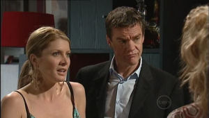 Izzy Hoyland, Paul Robinson in Neighbours Episode 5008