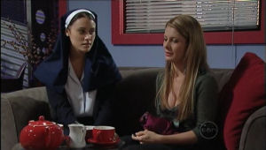 Carmella Cammeniti, Izzy Hoyland in Neighbours Episode 5009
