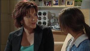 Lyn Scully, Rachel Kinski in Neighbours Episode 5010