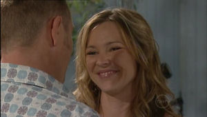 Steph Scully, Max Hoyland in Neighbours Episode 5010