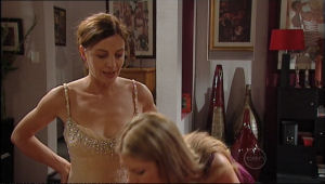 Gail Robinson, Elle Robinson in Neighbours Episode 5011