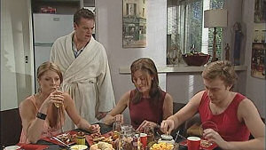 Cameron Robinson, Gail Robinson, Izzy Hoyland, Paul Robinson in Neighbours Episode 5019
