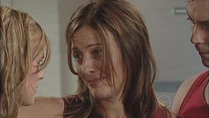 Elle Robinson, Gail Robinson, Robert Robinson in Neighbours Episode 5019