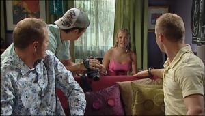Max Hoyland, Stingray Timmins, Janae Timmins, Boyd Hoyland in Neighbours Episode 5020