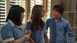 Bree Timmins, Rachel Kinski, Zeke Kinski in Neighbours Episode 5021