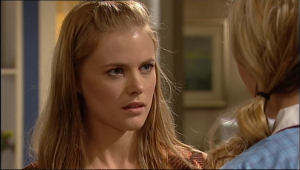 Elle Robinson in Neighbours Episode 5022