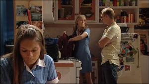 Boyd Hoyland, Janae Hoyland, Rachel Kinski in Neighbours Episode 5022