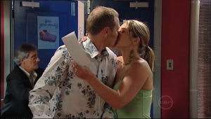 Max Hoyland, Steph Scully in Neighbours Episode 5023