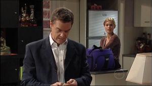 Elle Robinson, Paul Robinson in Neighbours Episode 5025