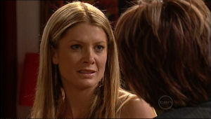 Izzy Hoyland, Lyn Scully in Neighbours Episode 5025