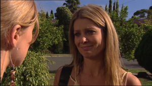Izzy Hoyland, Elle Robinson in Neighbours Episode 5025