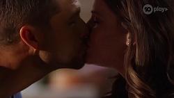 Mark Brennan, Elly Brennan in Neighbours Episode 8096