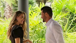 Chloe Brennan, Pierce Greyson in Neighbours Episode 8107