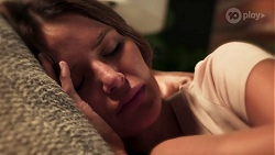 Elly Brennan in Neighbours Episode 8107