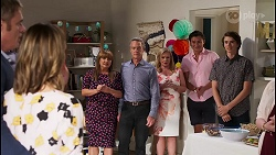 Gary Canning, Amy Williams, Terese Willis, Paul Robinson, Sheila Canning, Leo Tanaka, Jimmy Williams in Neighbours Episode 8110