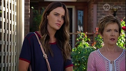 Elly Brennan, Susan Kennedy in Neighbours Episode 8112