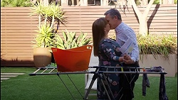 Terese Willis, Paul Robinson in Neighbours Episode 8112