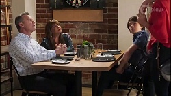 Paul Robinson, Terese Willis, Jimmy Williams, Amy Williams in Neighbours Episode 8113