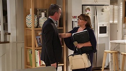 Paul Robinson, Terese Willis in Neighbours Episode 8117