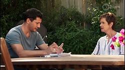 Finn Kelly, Susan Kennedy in Neighbours Episode 8120