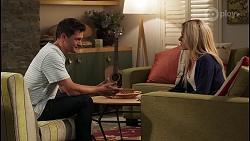 Finn Kelly, Andrea Somers in Neighbours Episode 8121