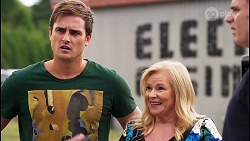 Kyle Canning, Sheila Canning, Gary Canning in Neighbours Episode 8121
