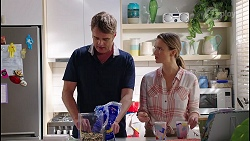 Gary Canning, Amy Williams in Neighbours Episode 8122