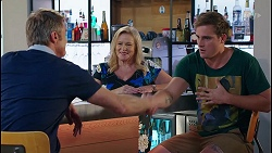 Gary Canning, Sheila Canning, Kyle Canning in Neighbours Episode 8122