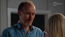 Ian Packer, Andrea Somers in Neighbours Episode 8122