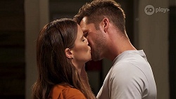 Elly Conway, Mark Brennan in Neighbours Episode 8127
