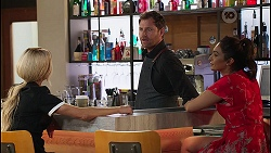 Andrea Somers, Shane Rebecchi, Dipi Rebecchi in Neighbours Episode 8129