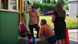Roxy Willis, Kyle Canning, Gary Canning, Terese Willis in Neighbours Episode 8129