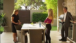 Terese Willis, Roxy Willis, Paul Robinson in Neighbours Episode 8130