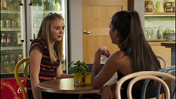 Willow Somers, Yashvi Rebecchi in Neighbours Episode 8135