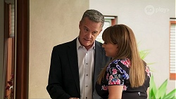 Paul Robinson, Terese Willis in Neighbours Episode 8136