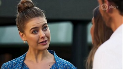 Chloe Brennan, Ebony Buttrose, Pierce Greyson in Neighbours Episode 8144