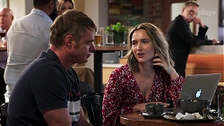 Gary Canning, Amy Williams in Neighbours Episode 8144