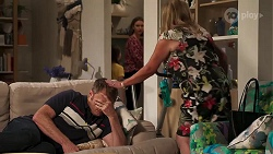 Gary Canning, Amy Williams, Sheila Canning in Neighbours Episode 8145