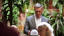 Paul Robinson in Neighbours Episode 8145