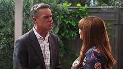 Paul Robinson, Terese Willis in Neighbours Episode 8146