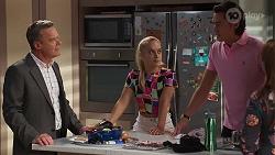 Paul Robinson, Roxy Willis, Leo Tanaka, Terese Willis in Neighbours Episode 8146