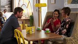Shane Rebecchi, Dipi Rebecchi, Susan Kennedy in Neighbours Episode 8147