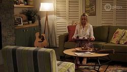 Dee Bliss in Neighbours Episode 8149